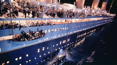 Would Fed make titanic mistake by raising rates? Here's an