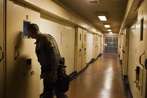 California Grapples With Courts on Prison Overcrowding