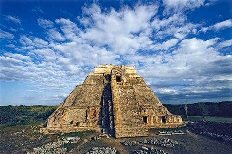 AeroMexico Airport in Yucatan, Mexico - Airlines-Airports