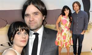 Zooey Deschanel's earnings revealed as she files to end