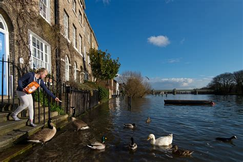 Climate change could put London and New York underwater