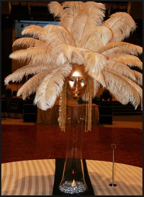 How to Make Feather Centerpieces: 12+ DIYs and Ideas