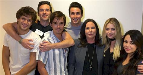 The Cast Of PLL React To The Season Finale! - Pretty
