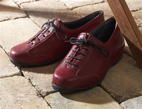 Extra Comfy Wide Shoes For Women | Propet Shoes