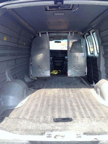 Sell used 2005 Chevy Express 1500 5