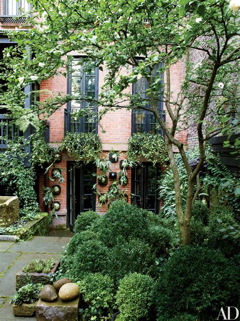Tour the Gardens at Julianne Moore's House in New York