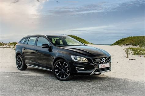 Volvo V60 Cross Country T5 (2015) Review - Cars
