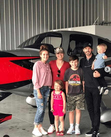 Brandon Blackstock Bought An Aircraft And Took A Picture